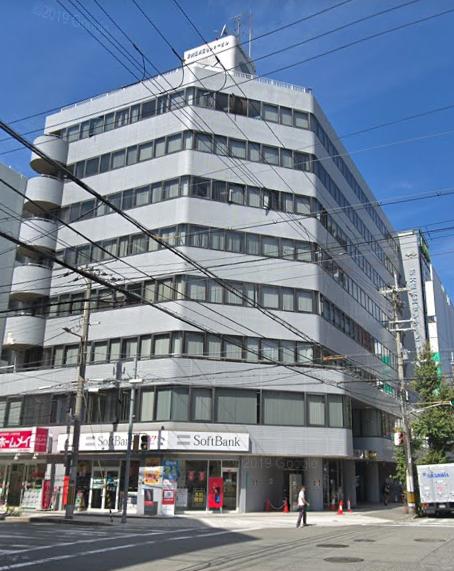 トラストゲートウェイ大阪外観